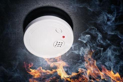fire-alarm-vs-smoke-detector